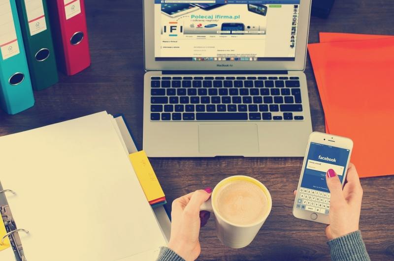 business using Social Media for marketing
